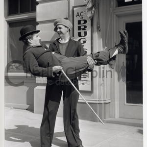 Modern times set 1935 jackie coogan and chaplin midsquare