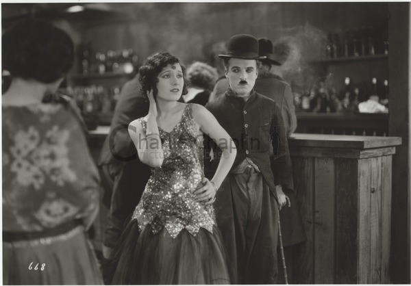 Georgia Hale and Chaplin in The Gold Rush