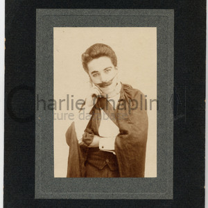 Casey s circus chaplin as dr bodie midsquare
