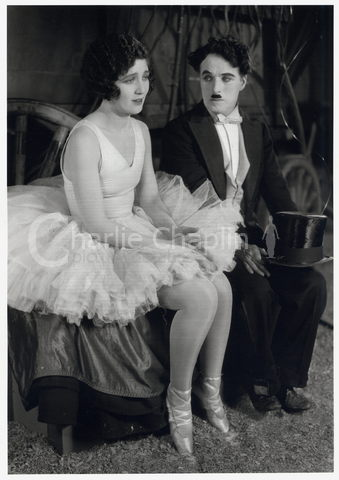 http://photo.charliechaplin.com/images/photos/0000/0608/Circus_Chaplin_and_Merna_Kennedy_big.jpg