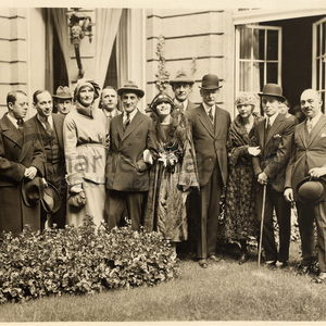 Berlin 1921 pola negri group midsquare