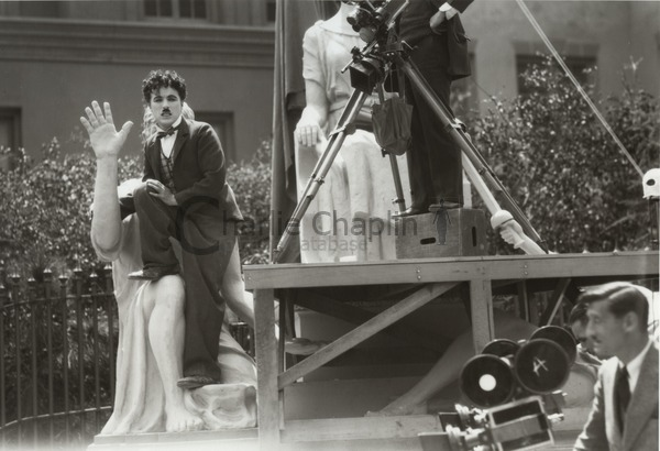 Chaplin directing the opening scene of City Lights