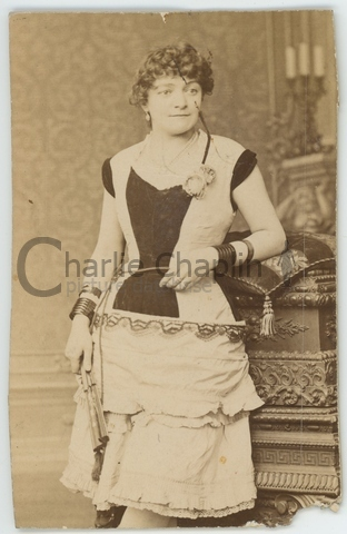 A young Hannah Chaplin in stage costume
